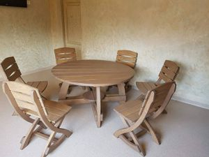 Round hand made table and chairs for Sale in Staten Island, NY