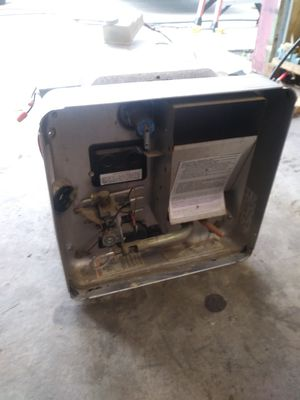 Rv water heater 10 gallon 16x16 for Sale in Hilmar, CA