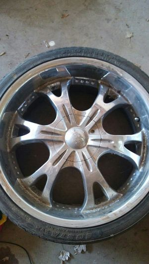 """22"""" rims.. 5lug universal for Sale in Riverdale Park, MD"""