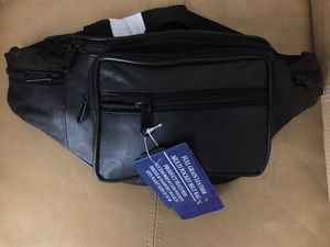 *NEW* Genuine Full-Grain Leather Fanny Waist / Shoulder Pack for Sale in Alexandria, VA