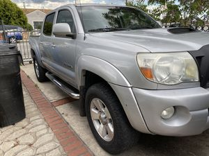 2008 Toyota Tacoma TRD CLEAN TITLE for Sale in Los Angeles, CA