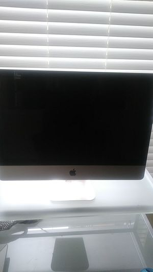 Mac... 2008. Need to be unlocked from pass code for Sale in Roswell, GA