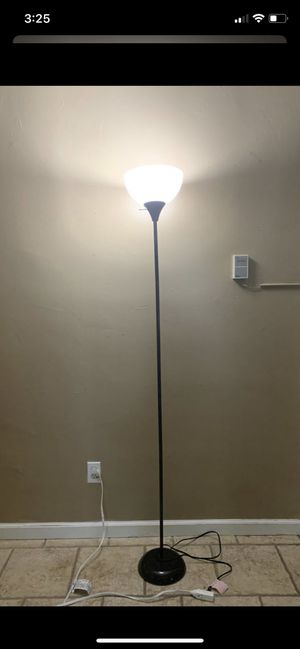 Floor lamp for Sale in El Monte, CA