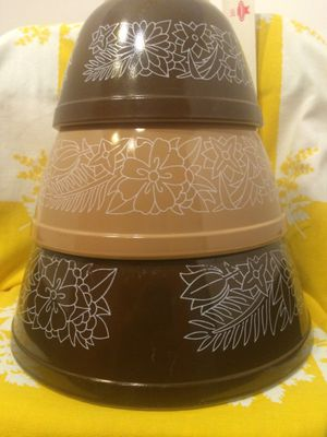 Pyrex woodland mixing bowls for Sale in Vero Beach, FL