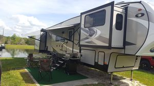 Chaparral coachman 37ft 2019 for Sale in Kissimmee, FL