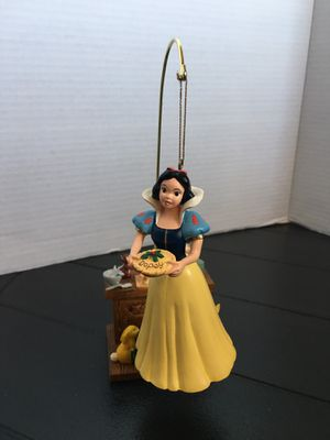 Disney snow white holding pie for dopey ornament with stand for Sale in Los Angeles, CA
