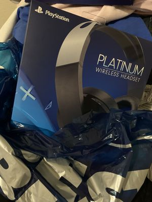 Ps4 platinum headset $115 firm retails at 160+tax for Sale in Dallas, TX