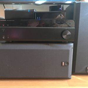 Insignia Stereo Receiver Bluetooth NS-Str514 with (2) Speakers for Sale in Brooklyn, NY