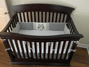 Baby crib and changing table/dresser for Sale in Atlanta, GA