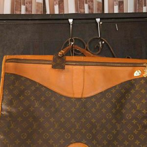 Louis Vuitton Vintage Garment Bag If Up Available Don't Ask for Sale in Vallejo, CA