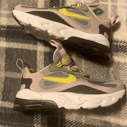 Air 270 Nike for Sale in Brooklyn,  NY