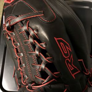 """Rawlings R9 Youth Baseball Glove 11.5"""" New for Sale in Los Angeles, CA"""