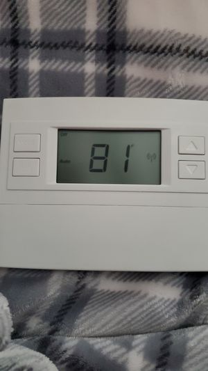 Thermostat Z-Wave 500 for Sale in Fontana, CA