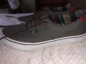 Men's 9.0 Vans Charcoal/Guate skate shoes! $40 OBO! Can meet for pick up! for Sale in Gainesville, FL
