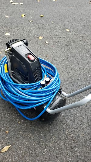 Almost new Compressor and hose ...(MovingSale!CheckMyProfile) for Sale in Everett, WA