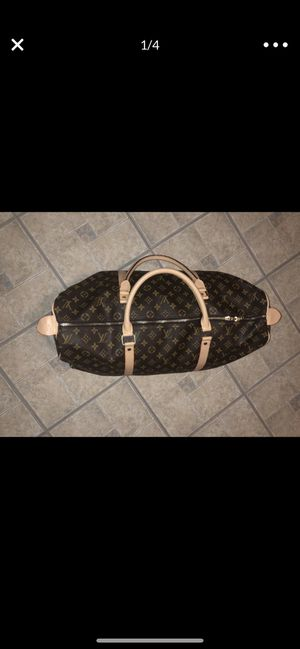 Louis Vuitton duffle bag for Sale in Bridgeport, CT