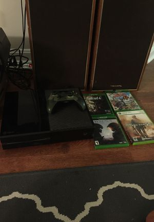 Xbox One with controller and games (discs & digital) for Sale in Rockville, MD