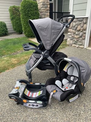 Chicco Bravo Trio Travel System for Sale in Lynnwood, WA