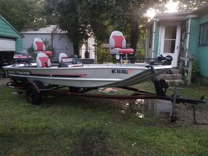 1986 16ft bass tracker pro 16 for Sale in East Chicago, IN