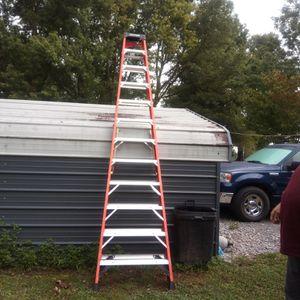 Werner 16 ft fiberglass step ladder for Sale in La Vergne, TN