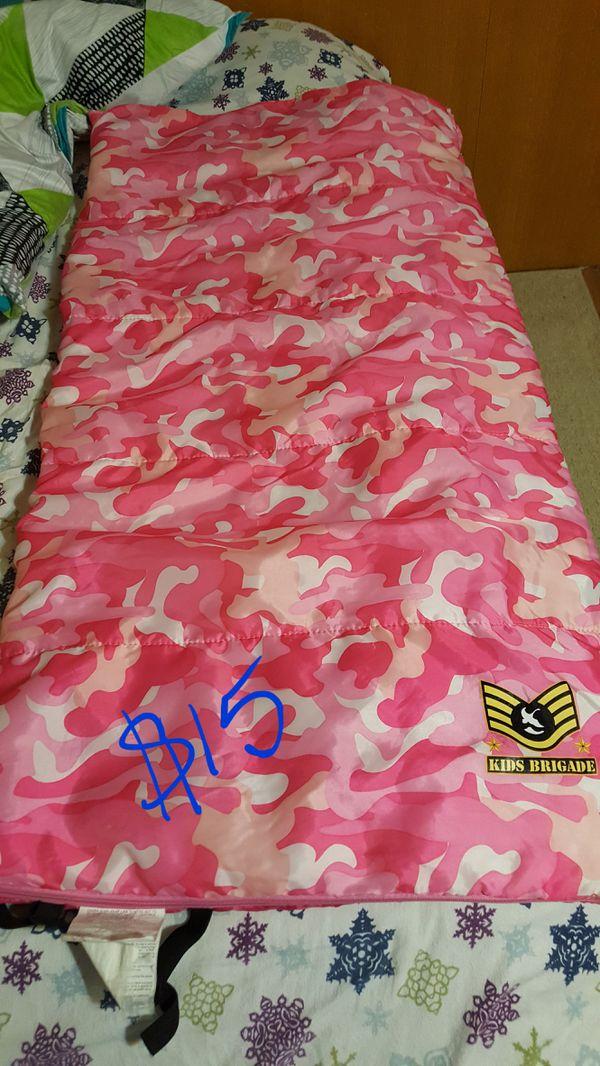 Girls camo sleeping bag