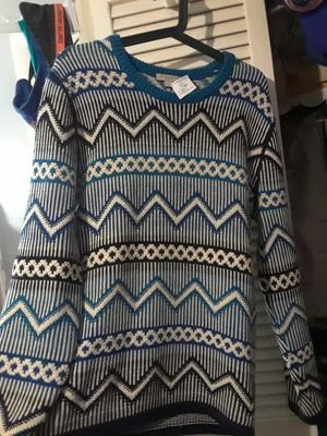 Burberry medium sweater35.00 for Sale in Margate, FL