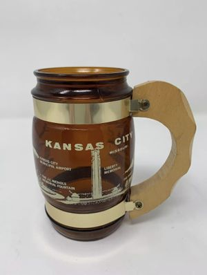 Vintage Siesta Ware KANSAS CITY MISSOURI MO brown Glass Stein with Wood Handle for Sale in Hannibal, MO