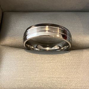 Unisex Silver Engagement/ Wedding Ring for Sale in Las Vegas, NV