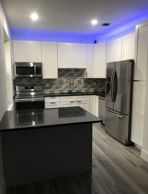 Hard Wood Cabinets & Vanities! for Sale in Pompano Beach, FL