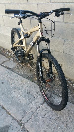Diamondback mountain bike full suspension for Sale in Los Angeles, CA