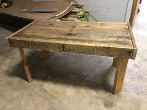 Pallet wood Coffee table for Sale in Columbia, TN