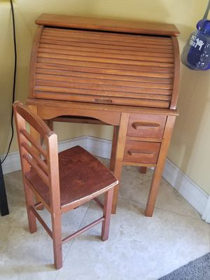 Antique Child's Wood Rolltop Desk & Chair for Sale in Las Vegas, NV