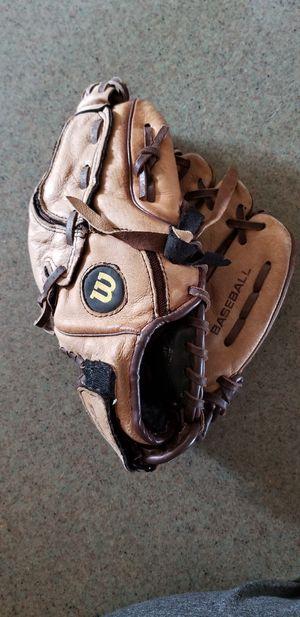 "10.5"" Wilson kids baseball glove broken in for Sale in Norwalk, CA"