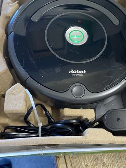 IRobot Roomba 675 Robot Vacuum WiFi Connected Works With Alexa Used Works Great Comes With Home Charger for Sale in Las Vegas,  NV