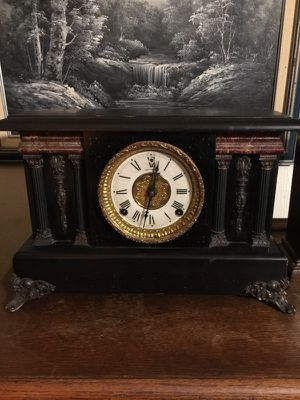 Old Session's Antique Clock for Sale in Elyria, OH