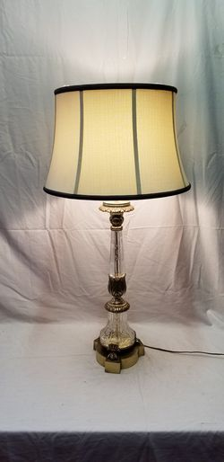 Vintage 50 clawfoot crystal lamp for Sale in San Francisco,  CA