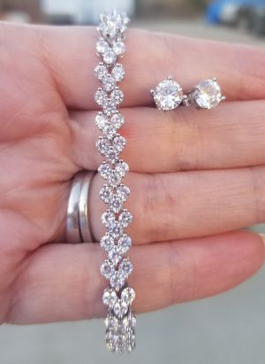 Crystal diamond bracelet and earring set..... for Sale in Riverside, CA