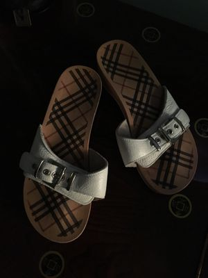 Burberry white leather buckle top wooden slides for Sale in Wake Forest, NC