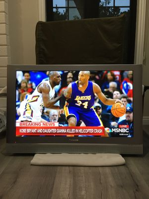 """42"""" PANASONIC PLASMA HDTV AND WALL MOUNT for Sale in Mission Viejo, CA"""