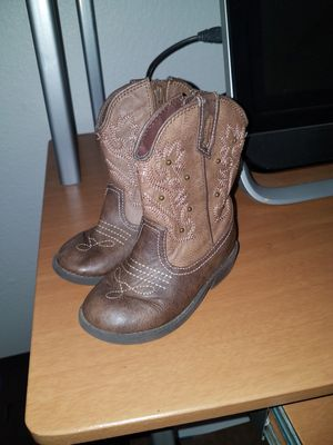 Size 8 girl toddler boots for Sale in El Centro, CA