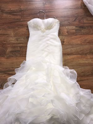 ***Priced To Sell*** San Patrick Capella Priced To Sell!!!! Gentle Used Wedding Dress. for Sale in Chicago, IL