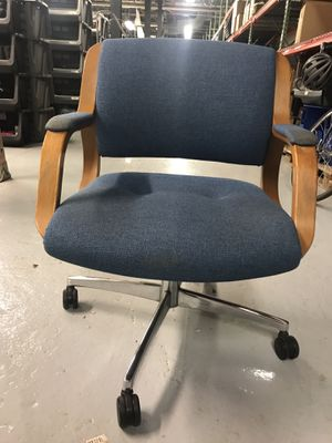Padded Swivel Office Arm Chair for Sale in Pittsburgh, PA