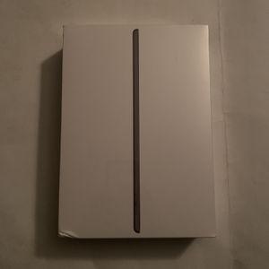 iPad 8th Gen 32gb Cellular & WiFi for Sale in Highland Springs, VA