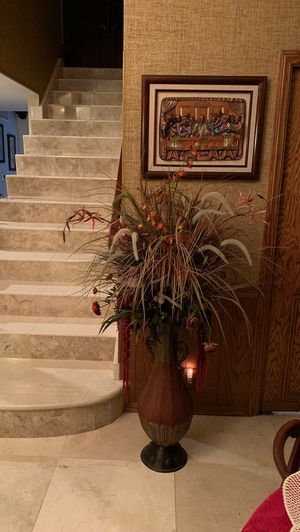 Display Vase with decorative flowers for Sale in Santa Ana, CA