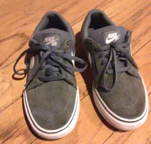 Nike shoes,boy shoes, tennis shoes for Sale in Los Angeles, CA