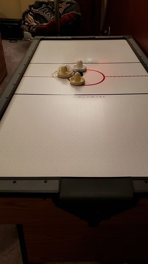 Air hockey table for Sale in Hendersonville, TN
