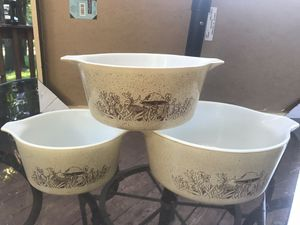 Vintage Pyrex mushroom bowls (set of 3) for Sale in Minneapolis, MN