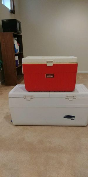 Sm cooler $15.00 —LARGE COOLER HAS BEEN SOLD for Sale in Gainesville, VA