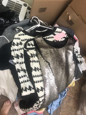 Nice used clothes for Sale in Fort Lauderdale, FL