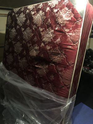 Free mattress with box springs for Sale in Yorkville, IL